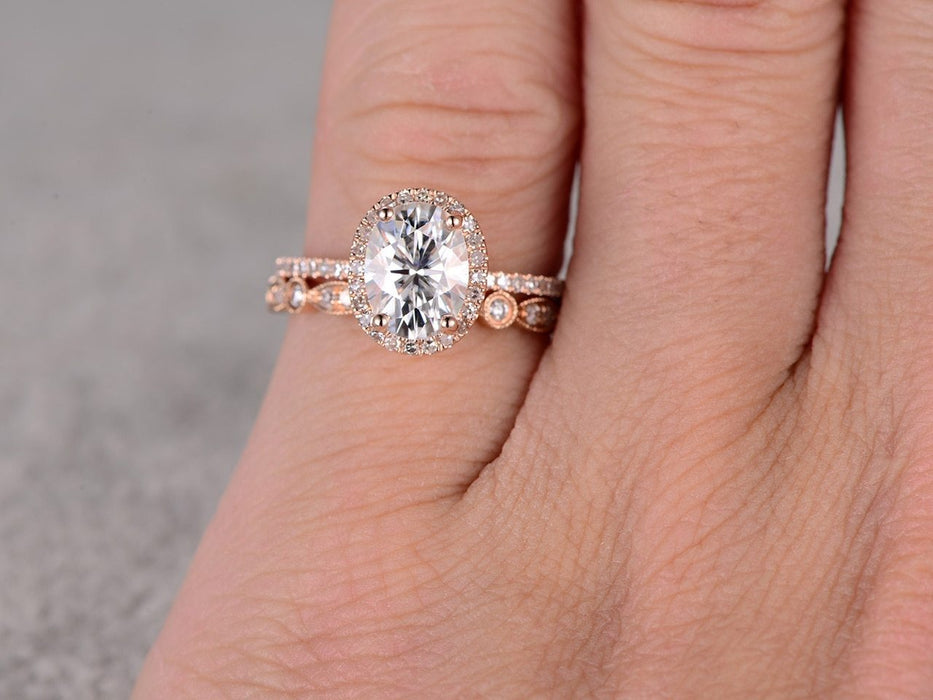 2 Carat Round Cut Morganite and Diamond Halo Solitaire Bridal Set in Rose Gold