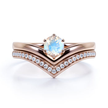 Vintage .83 Carat Round Rainbow Moonstone & Diamond Artdeco Bridal Ring Set in Rose Gold
