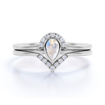 Art Deco 0.75 Carat Teardrop Rainbow Moonstone & Diamond Wedding Ring Set in White Gold