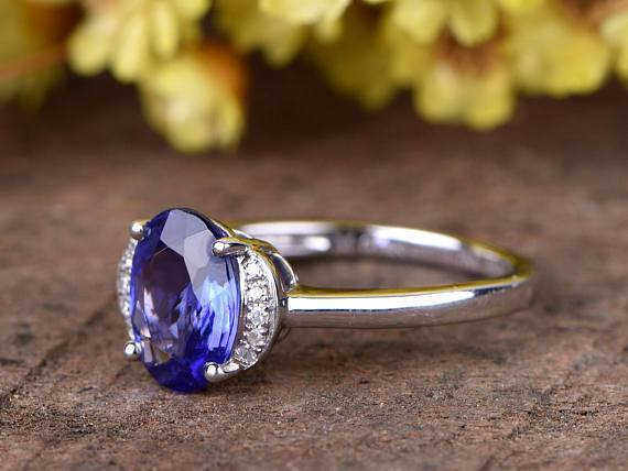 1.50 Carat Oval Tanzanite Diamond Vintage Engagement Ring in White Gold
