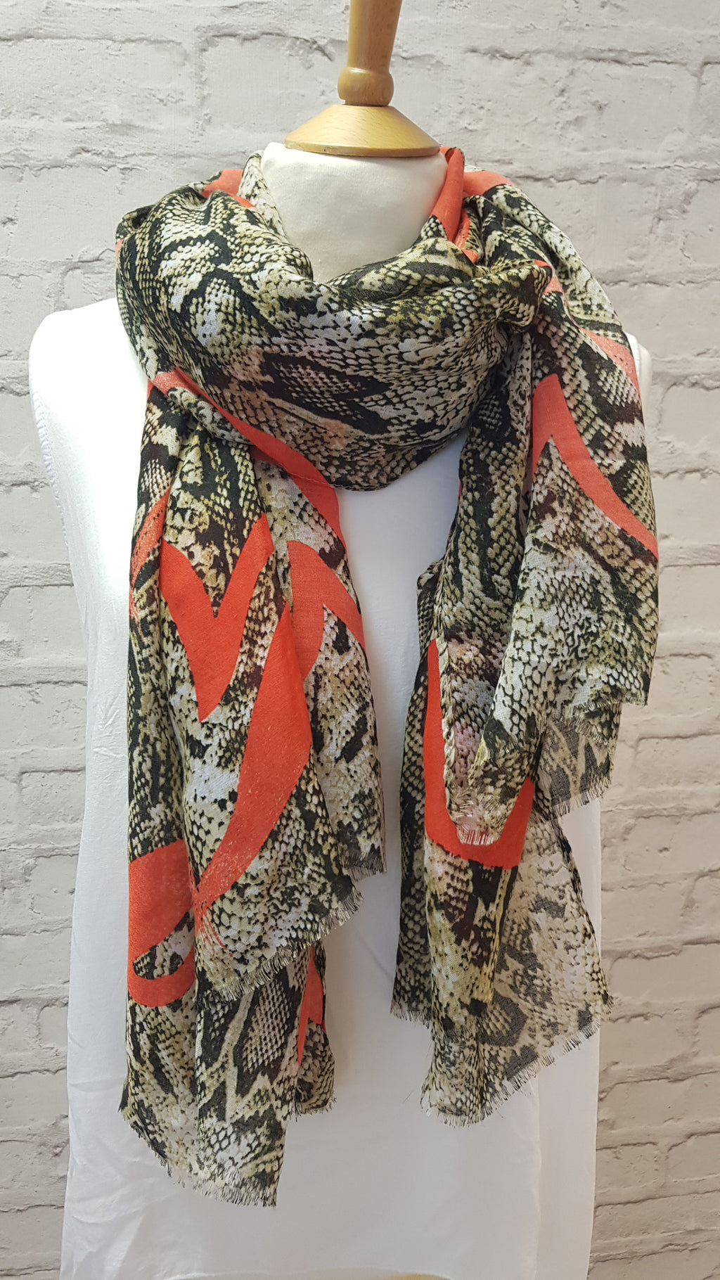 Rocky Snake Patterned Scarfs