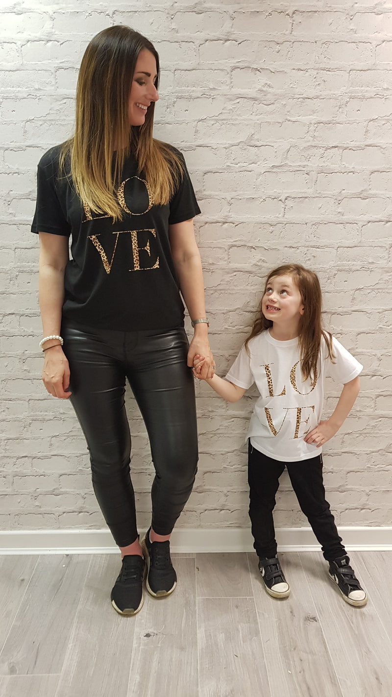 Slogan Tee Chrissi LOVE Mini