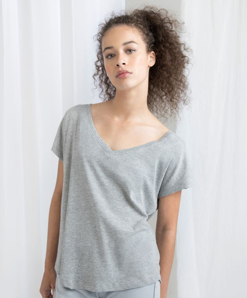 Venus Open V Neck T-shirt
