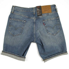 Load image into Gallery viewer, 511 Slim shorts in light denim