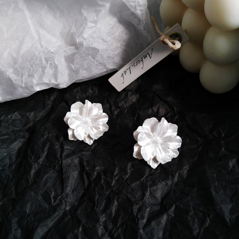 Julie Resin Stub Earrings
