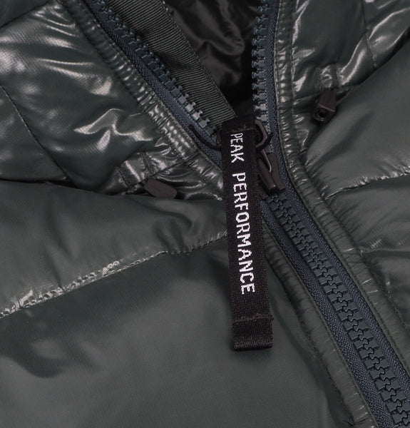 Peak Performance - Moment Jacket Green