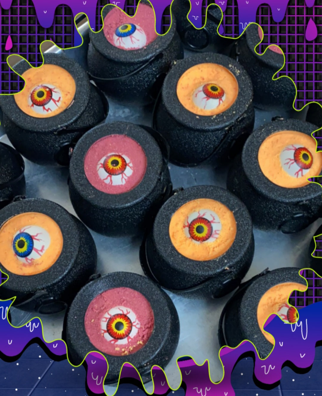 Eyeball Stew Cauldron Toy Bath Bomb