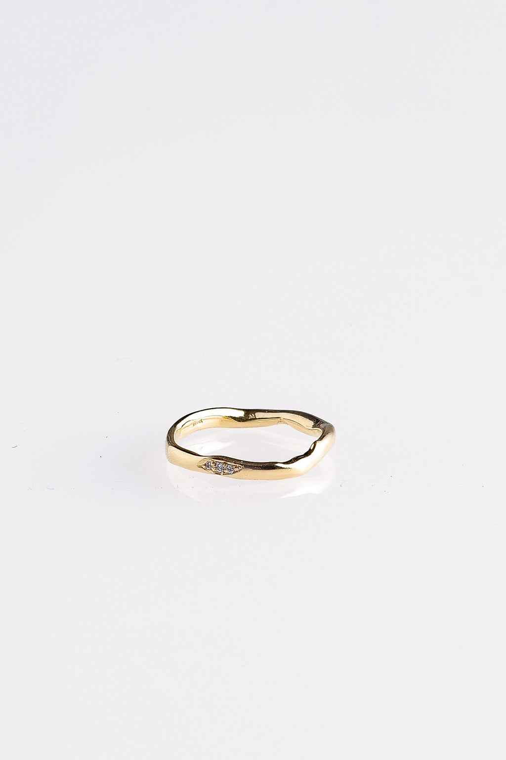 DIAMOND THICK WAVY BAND IN GOLD