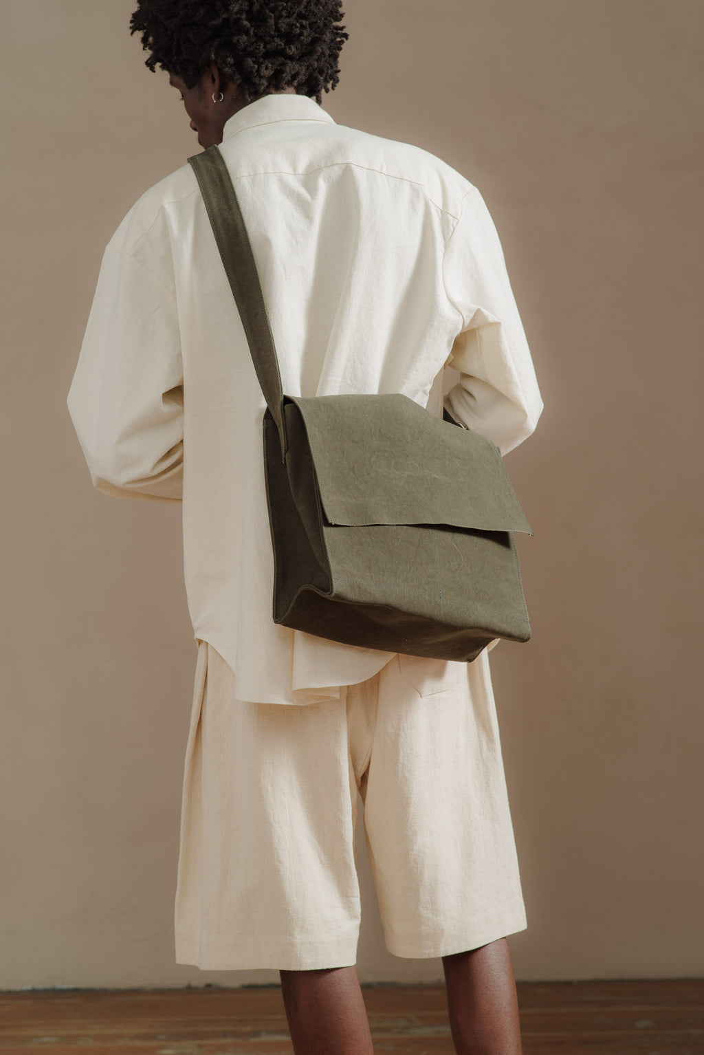 AMIACALVA-KHAKI-MED-SHOULDER-BAG