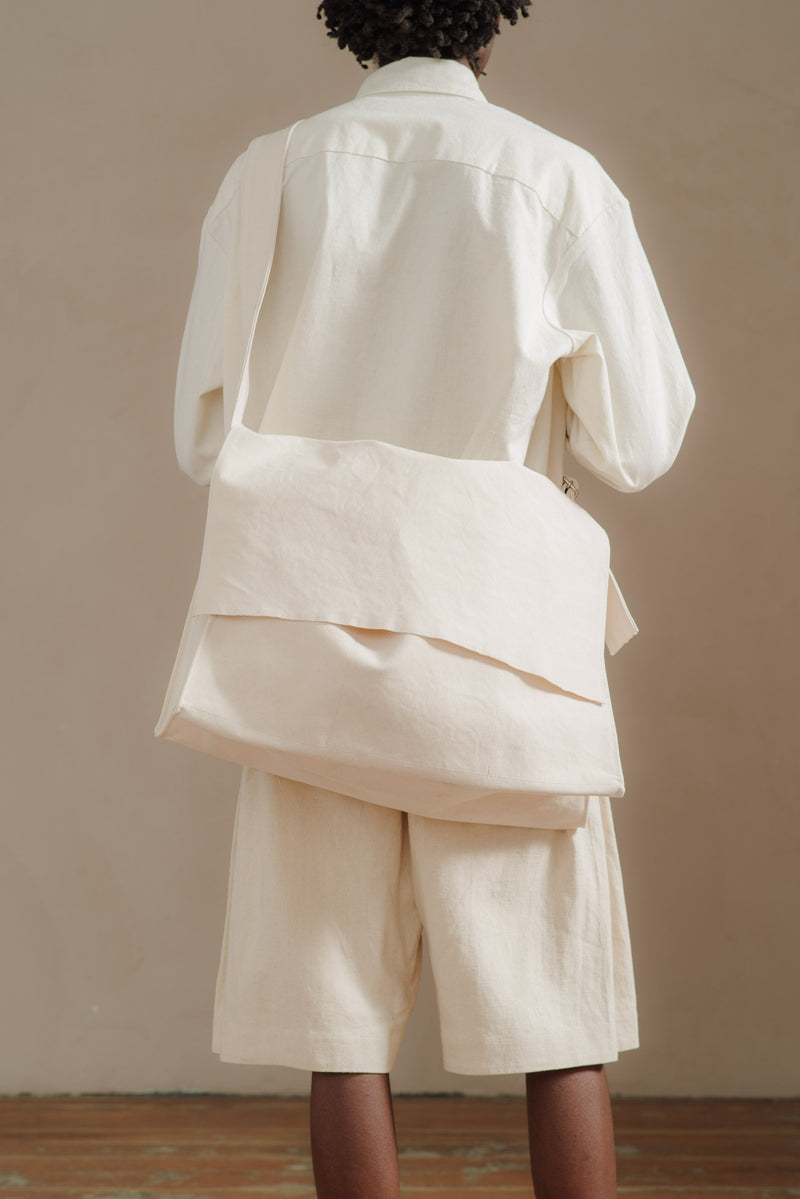 AMIACALVA-WHITE-LARGE-SHOULDER-BAG