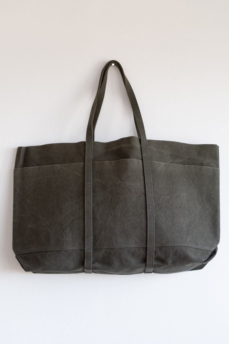 LARGE 6-POCKET TOTE IN KHAKI