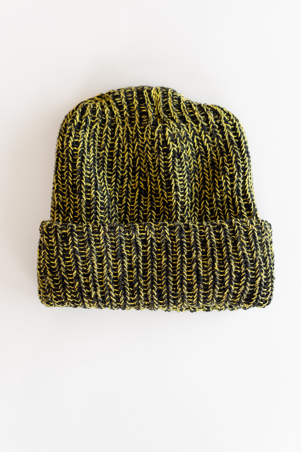 KNIT HAT IN BLACK AND LEMON MARL