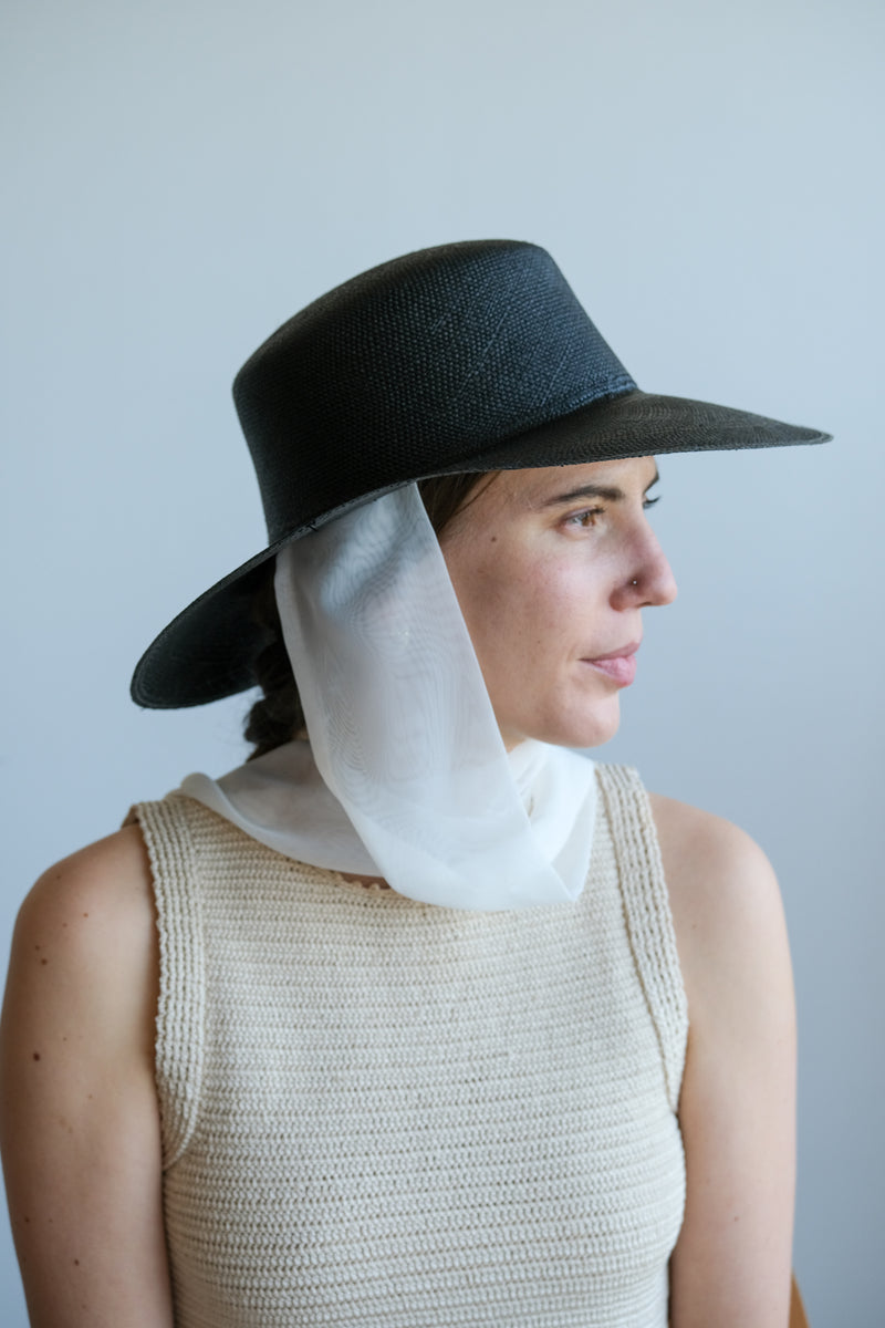 PEARL HAT WITH NECK SCARF IN BLACK