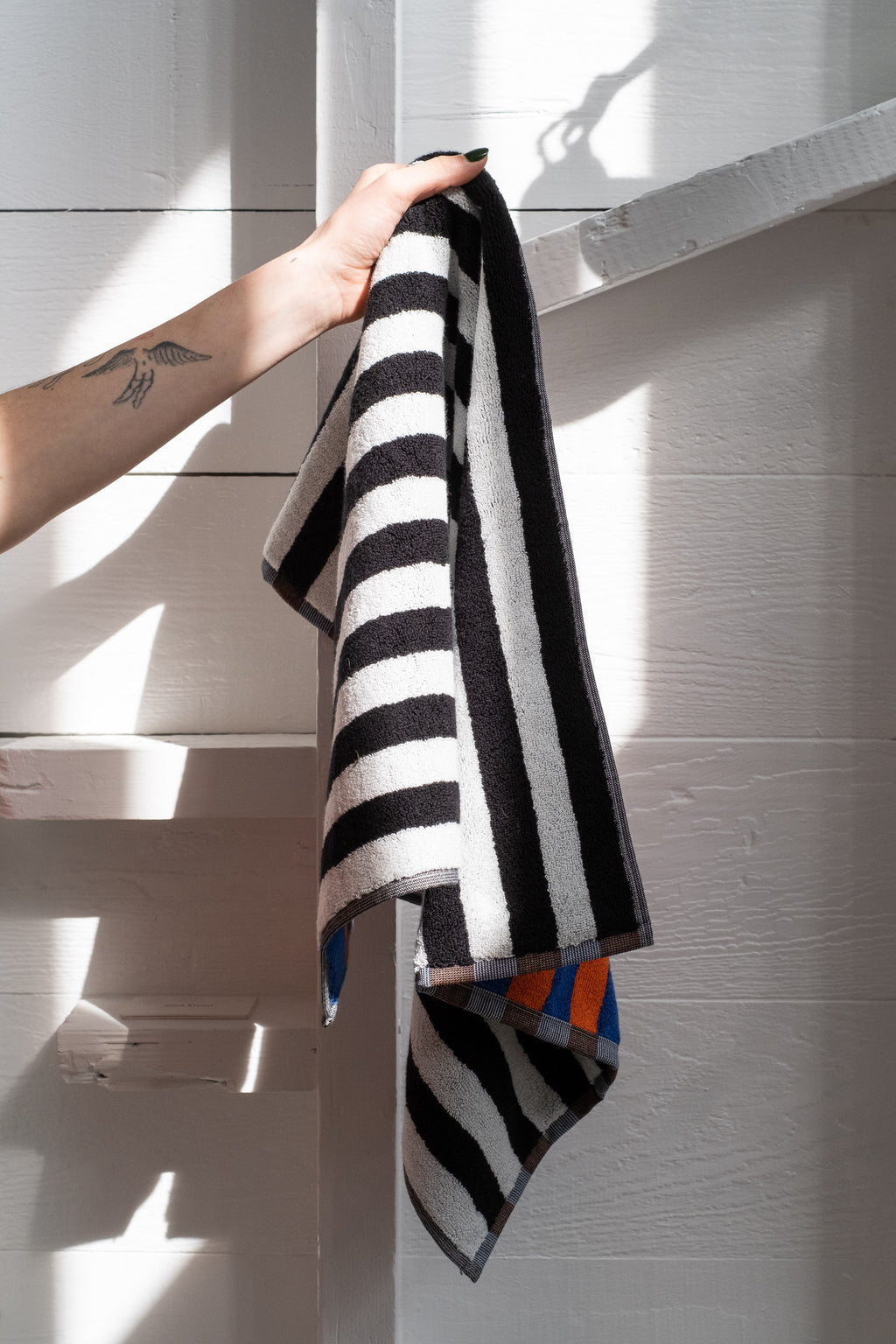 ORCHID STRIPE HAND TOWEL