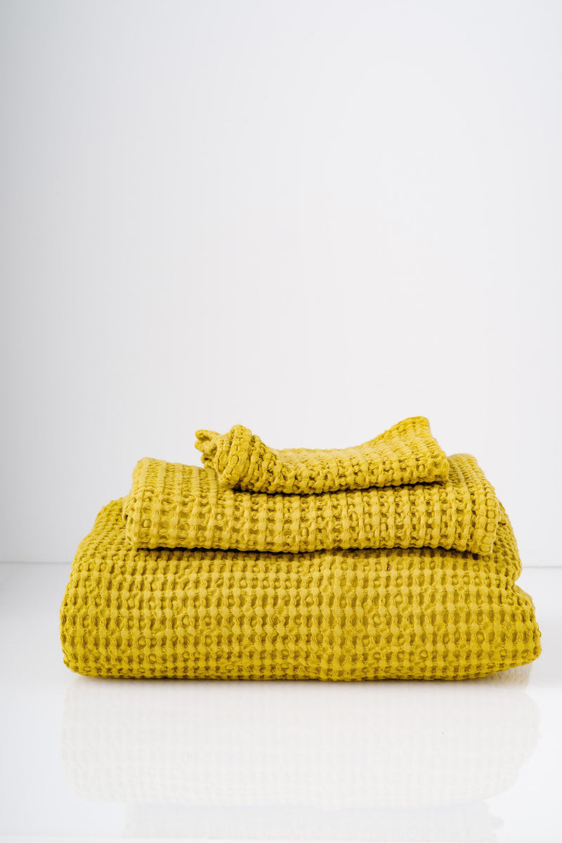 SIMPLE WAFFLE TOWELS IN MUSTARD