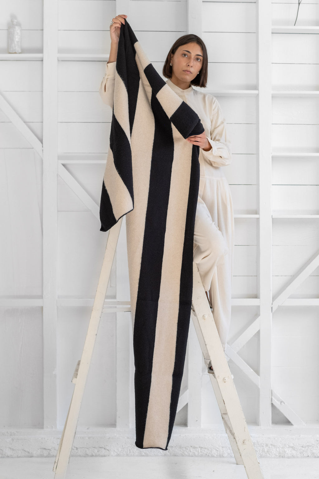 BRUSHED VERTICAL STRIPE BLANKET SCARF
