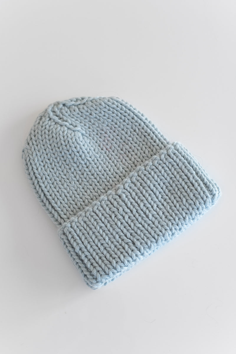 BABY ALPACA BEANIE IN LIGHT BLUE