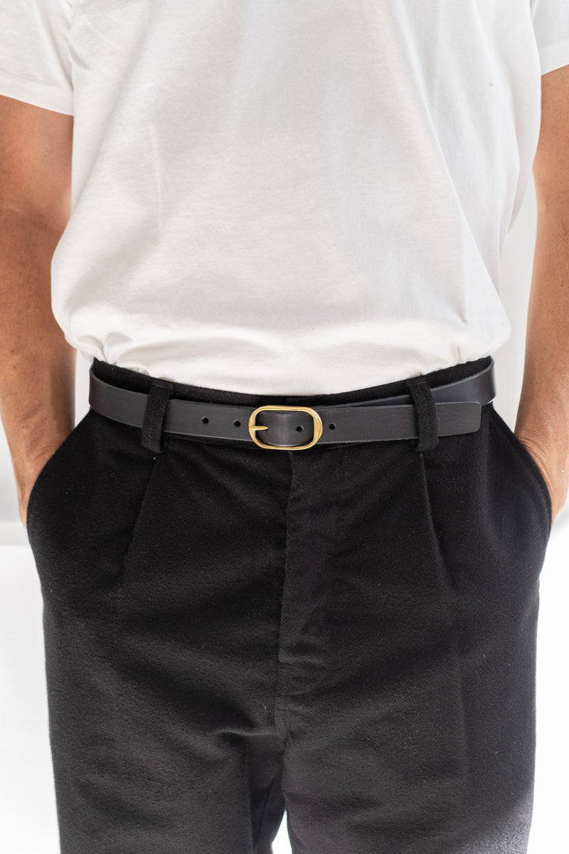 "1"" OVAL BUCKLE BELT IN BLACK"