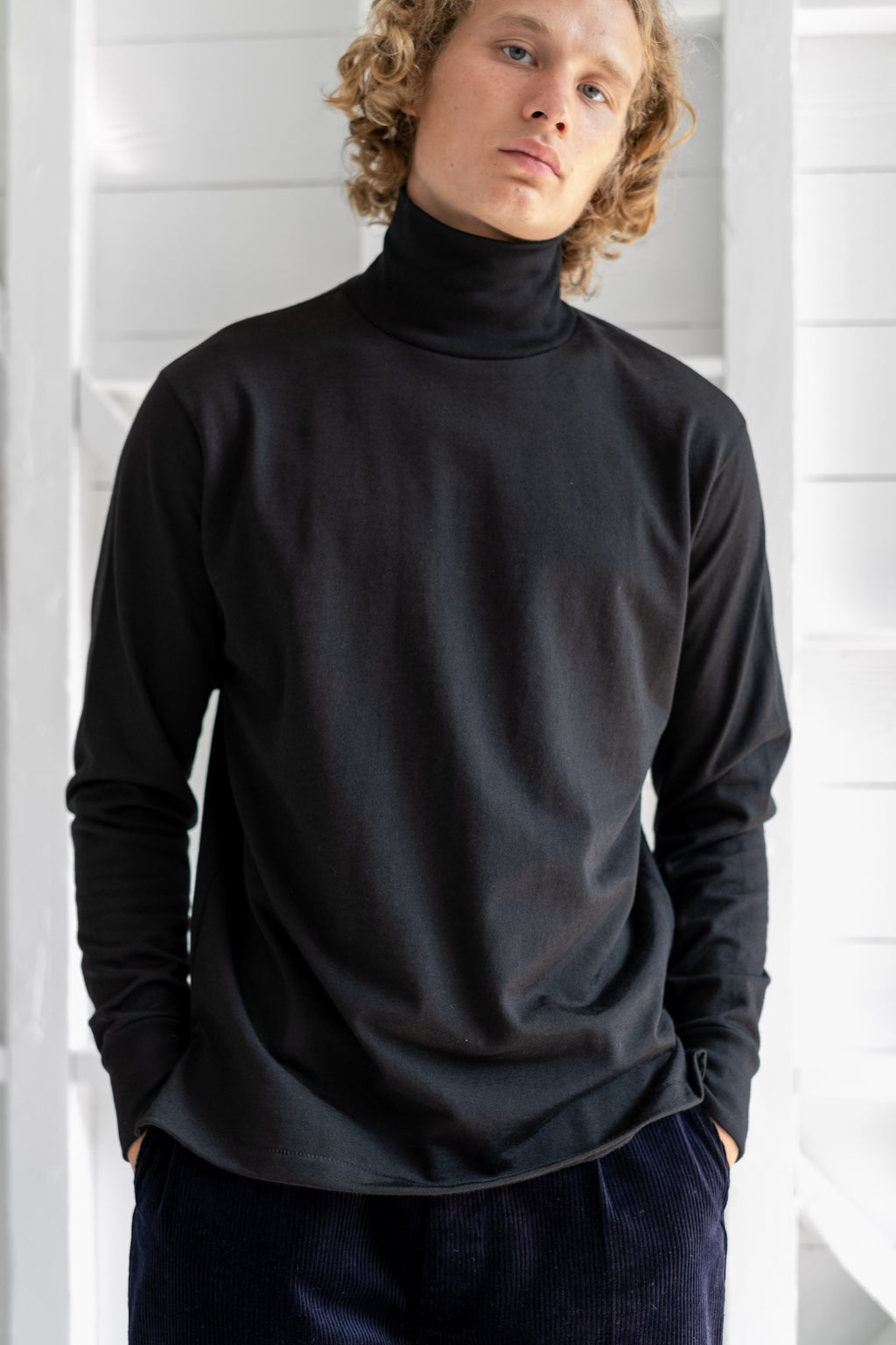 NYLON TURTLENECK