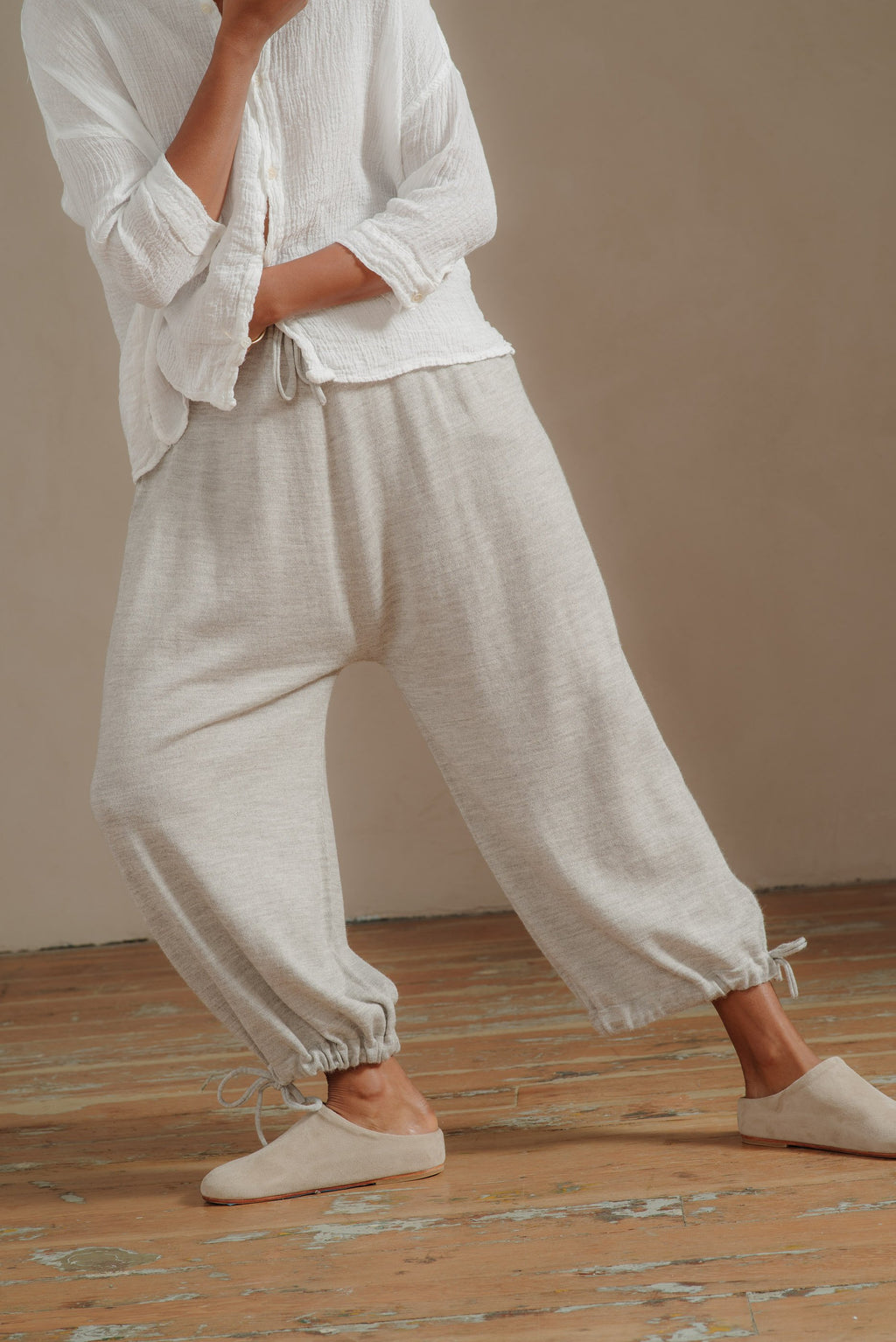 LAUREN-MANOOGIAN-GREY-DRAW-PANT