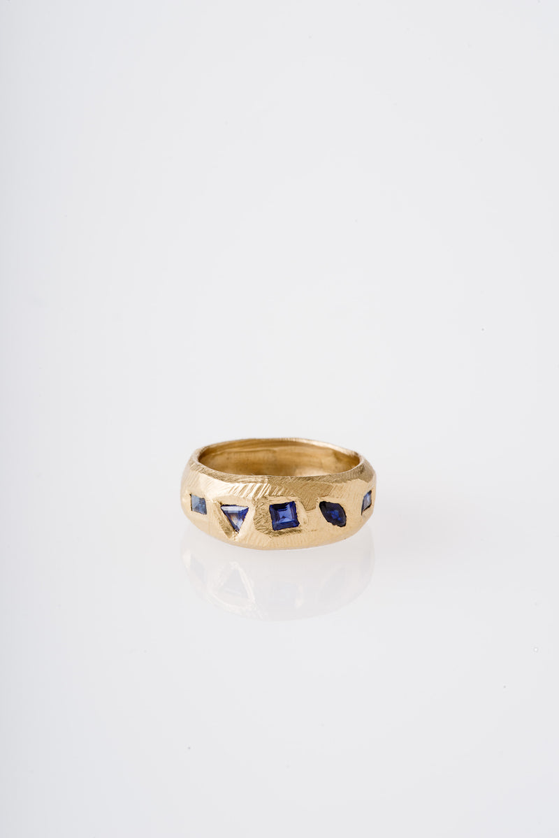 Page Sargisson | 18KT BLUE SAPPHIRES RING