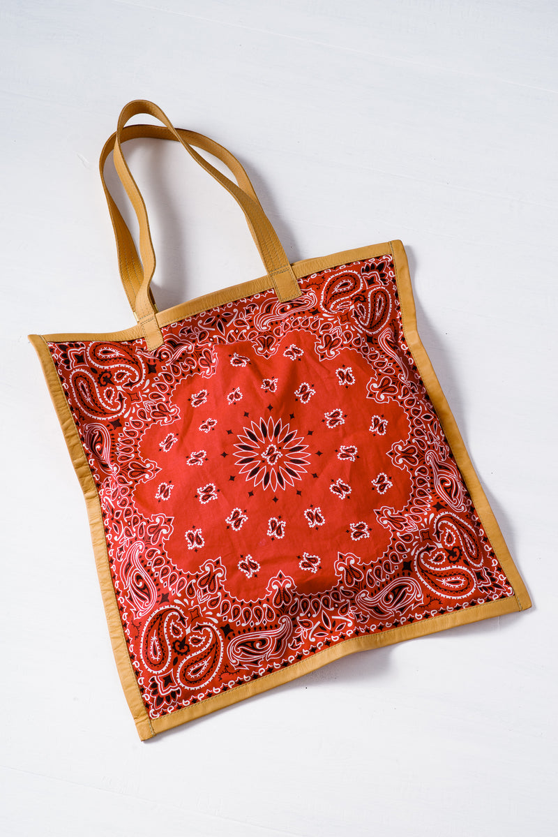 BANDANA TOTE IN WHITE AND NATURAL