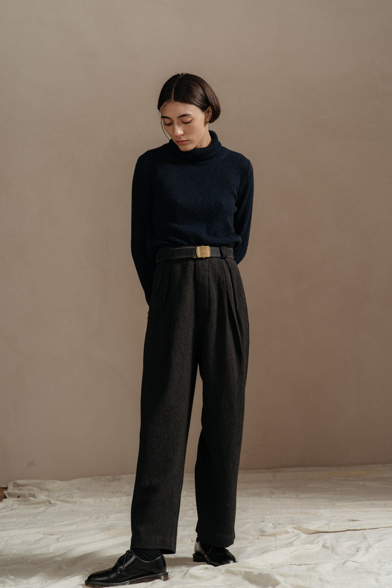 Reliquary-Pleated-Pant-Grey-Waffle-on-model