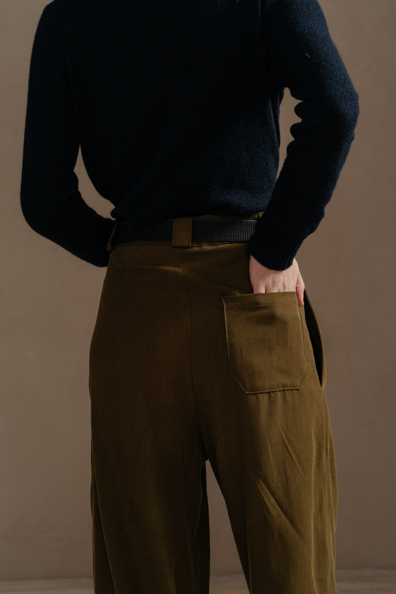 Reliquary-House-Line-OLIVE-PLEATED-PANT-back-pocket