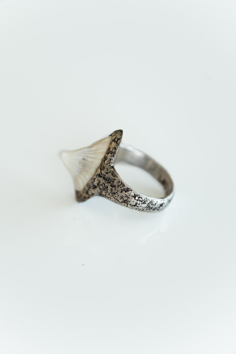 STINGRAY TOOTH RING
