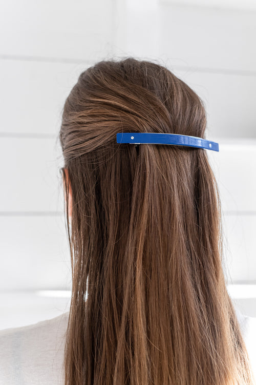 XL BARRETTE SHINY BLUE