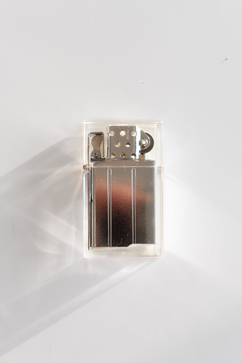 HARD EDGE LIGHTER IN CLEAR