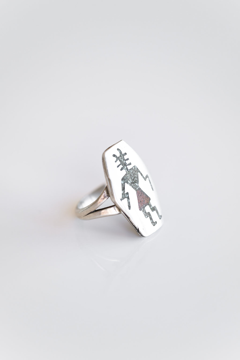 SILVER YEI DANCER RING