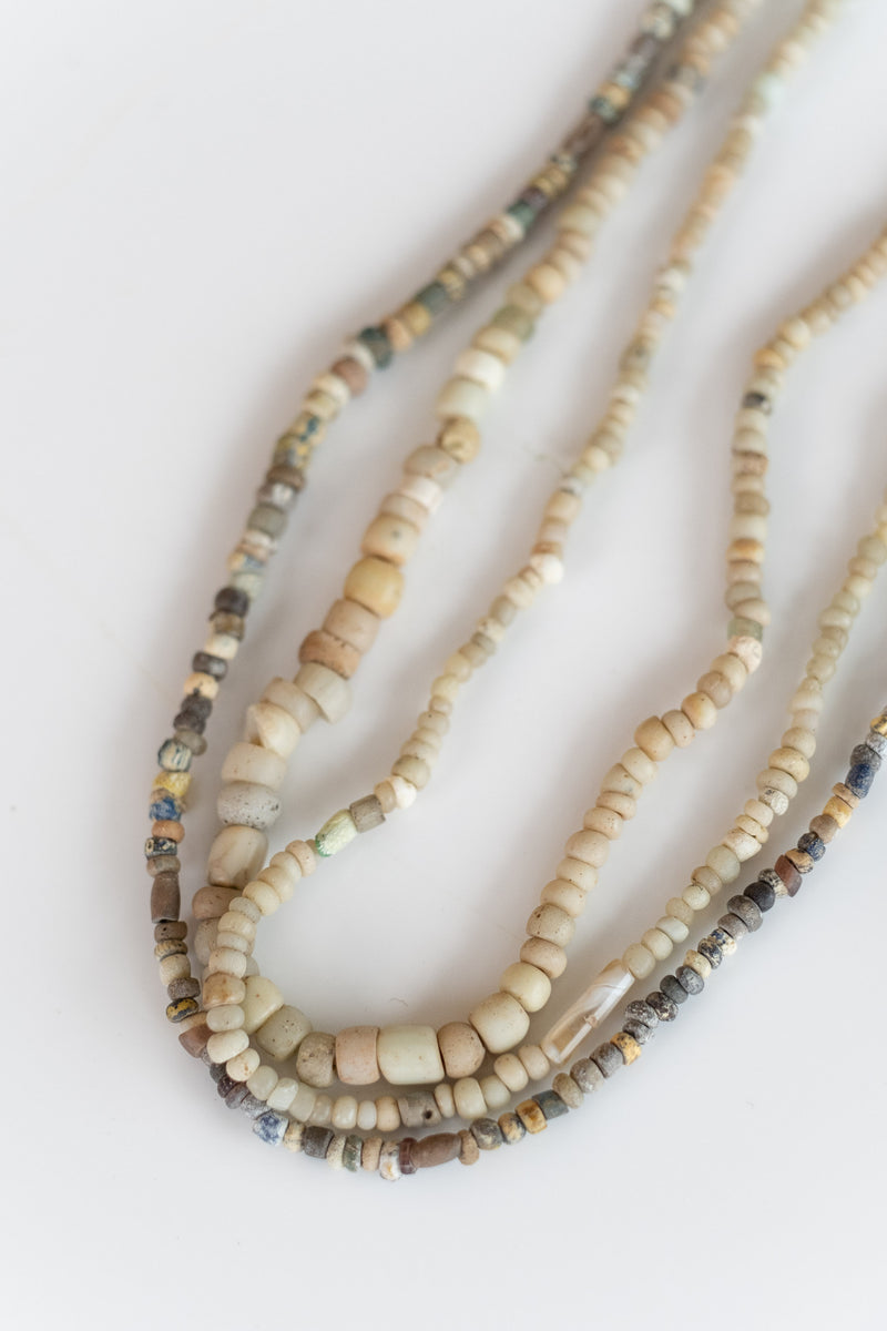 ANTIQUE AFRICAN BEADS IN WHITES