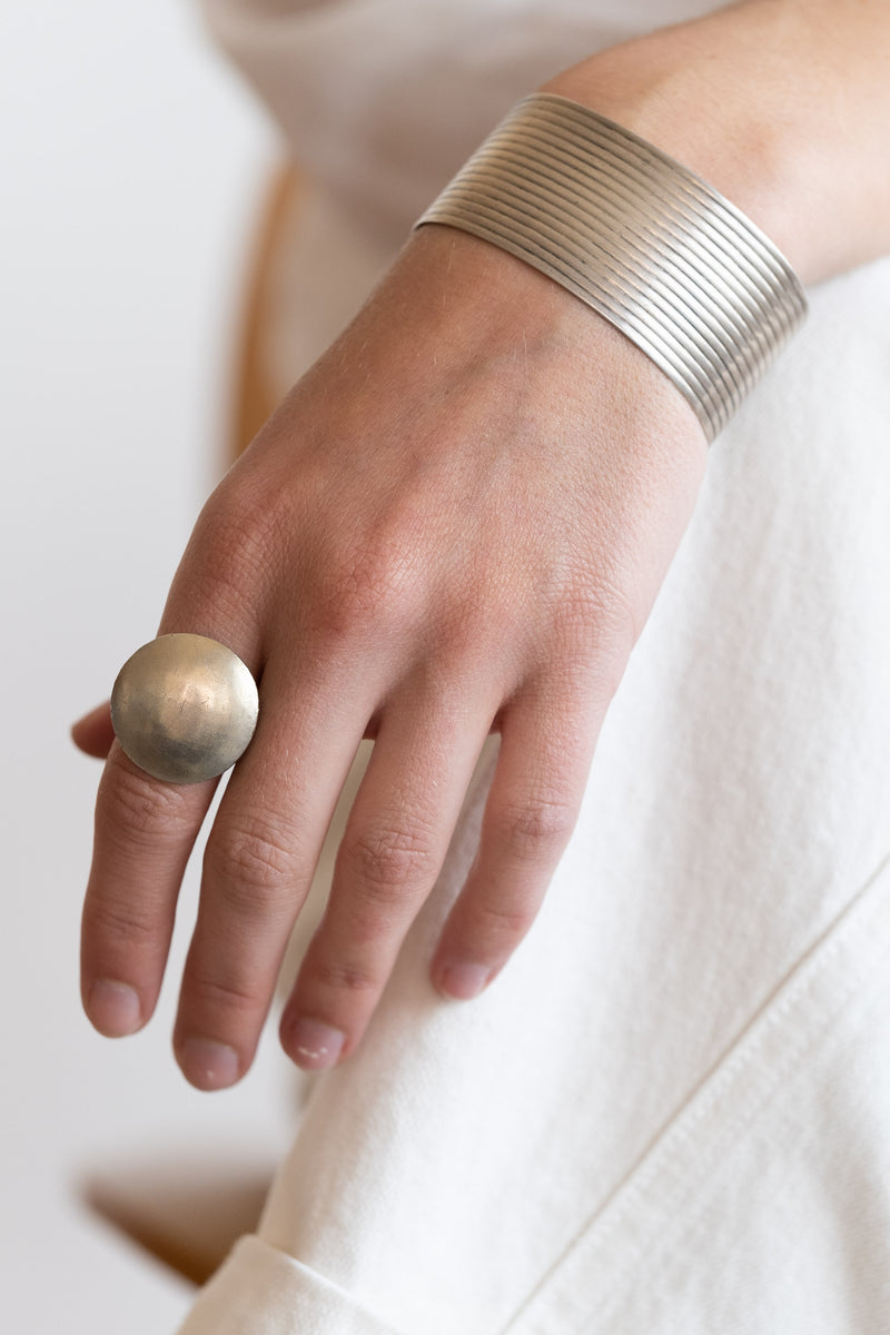 SILVER ROUND BUTTON RING