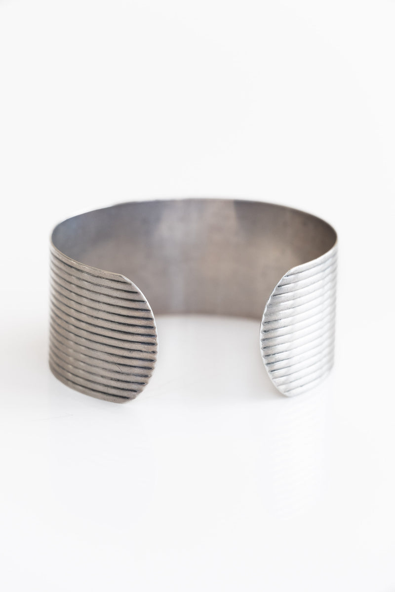 WIDE STERLING RIBBED CUFF
