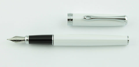 Diplomat, Excellence Fountain Pen, White Pearl w/Chrome Plated Trim
