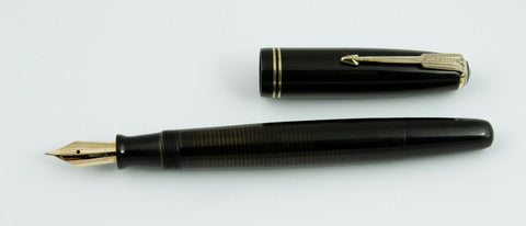 Parker, Vacumatic Fountain Pen, Black w/Gold Till Trim - VP4848