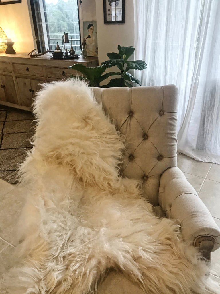 ICELANDIC SHEEPSKIN- WHITE