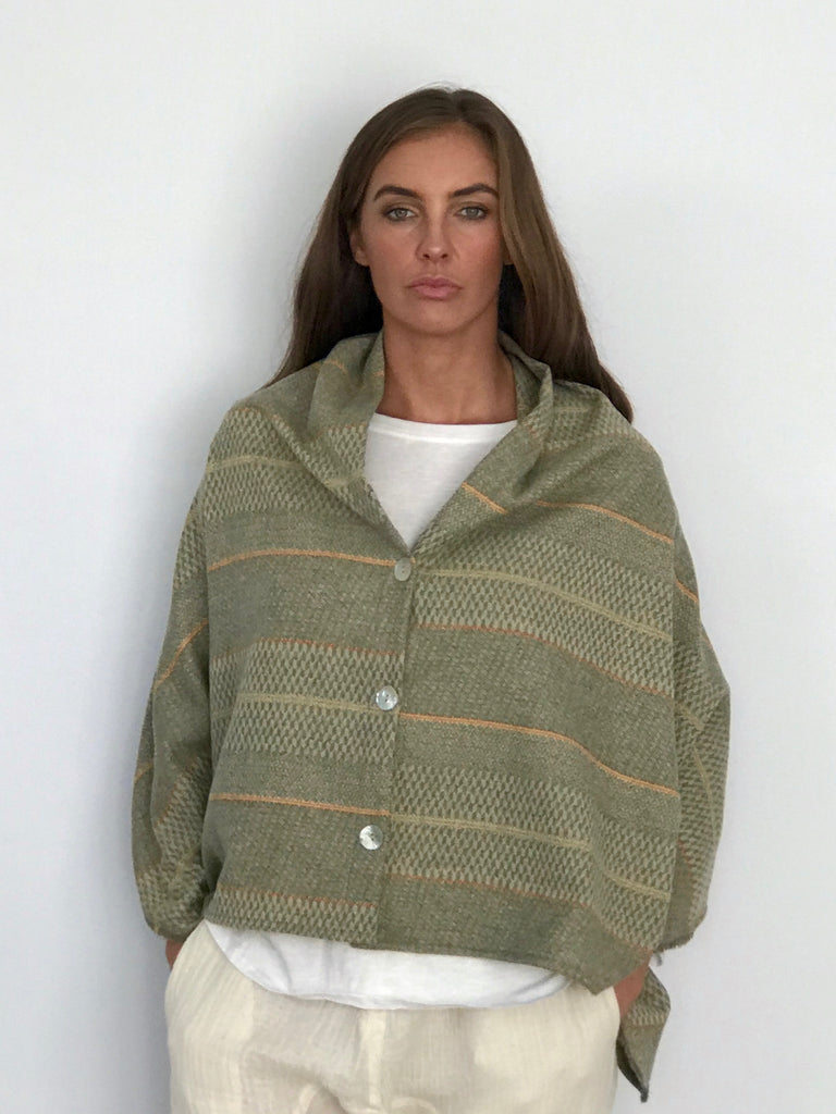 LANA WOOL CAPE
