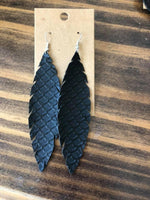 Load image into Gallery viewer, Feather Dangle Earrings