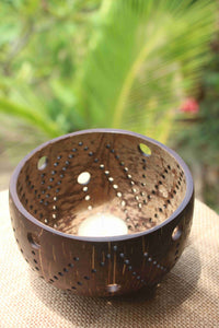 Coconut candle holder - Tahia