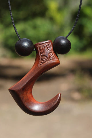 Metau Manu necklace