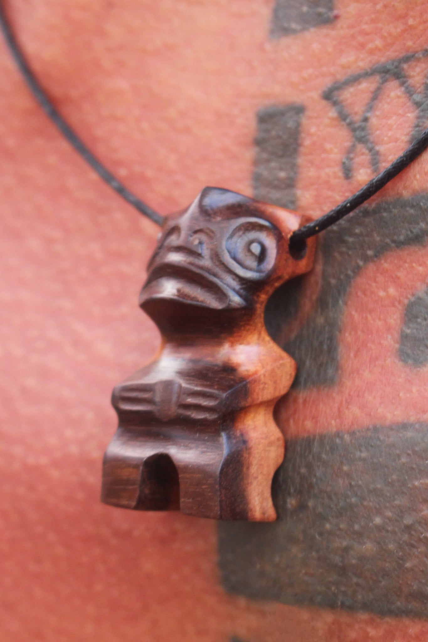 Tiki necklace ∿ 2