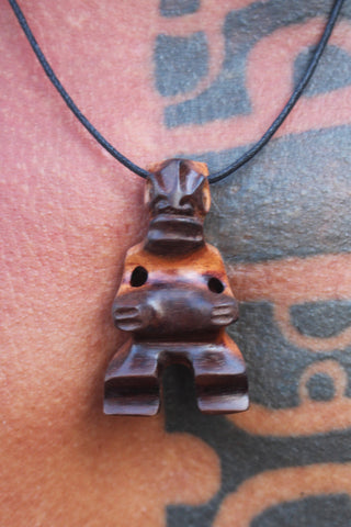 Tiki necklace ∿ 3