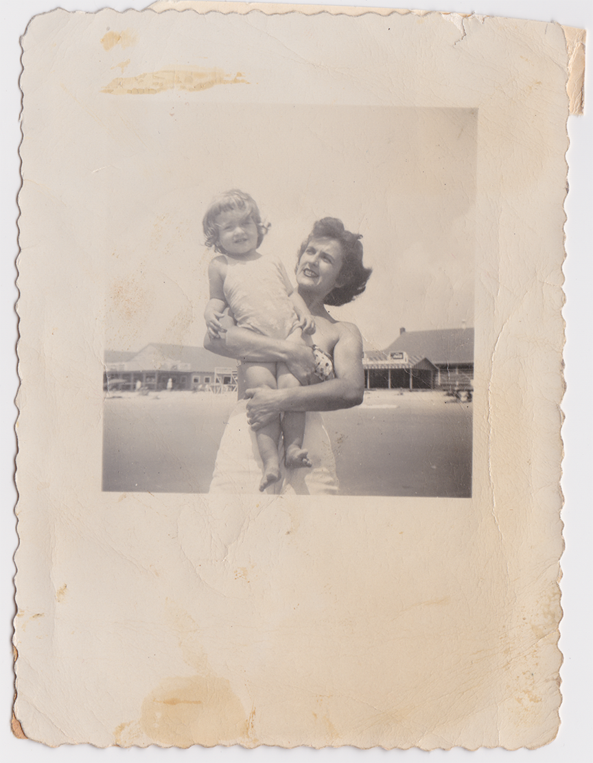 migrated_DesignAglow_SaveFamilyPhotos_B5.png9295653277596974574