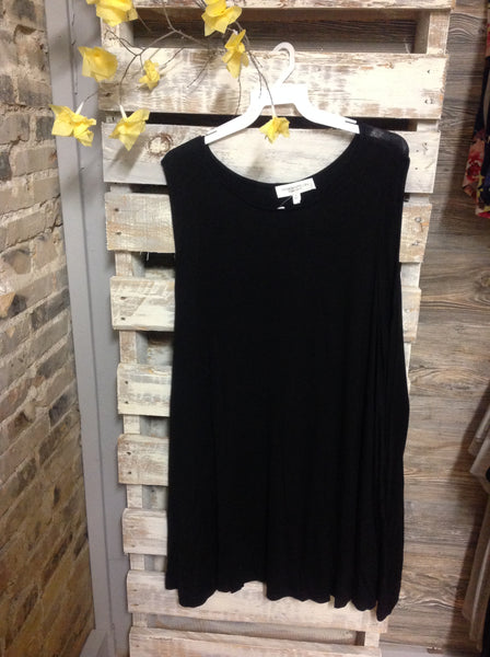 Sleeveless Pocket Dress-Plus