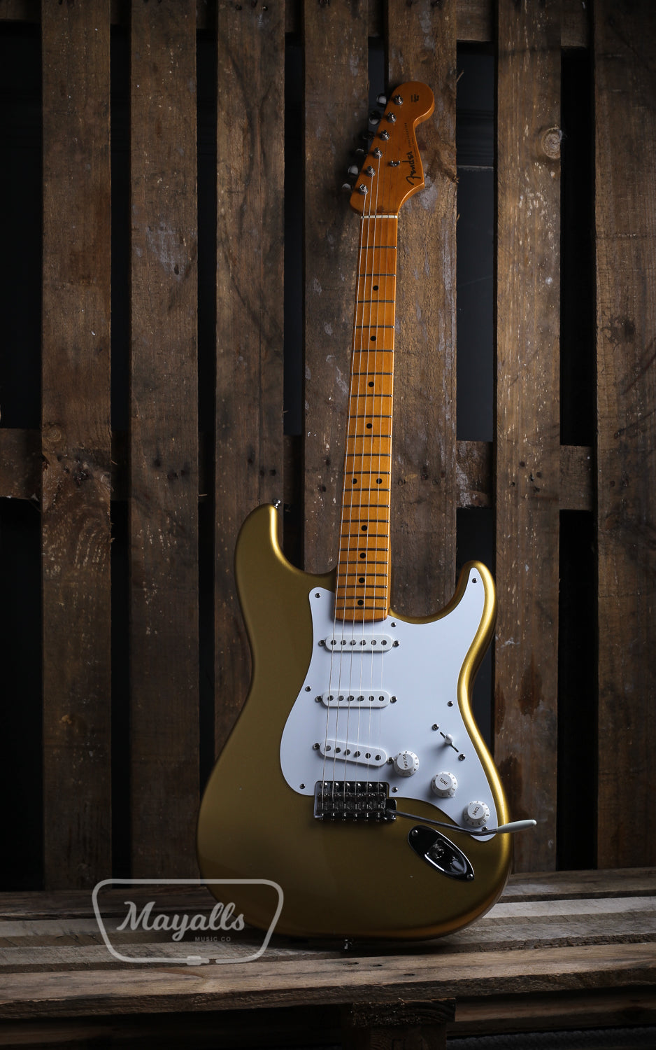 2000 Fender American Vintage '57 Stratocaster in Aztec Gold Electric Guitar - Pre-owned
