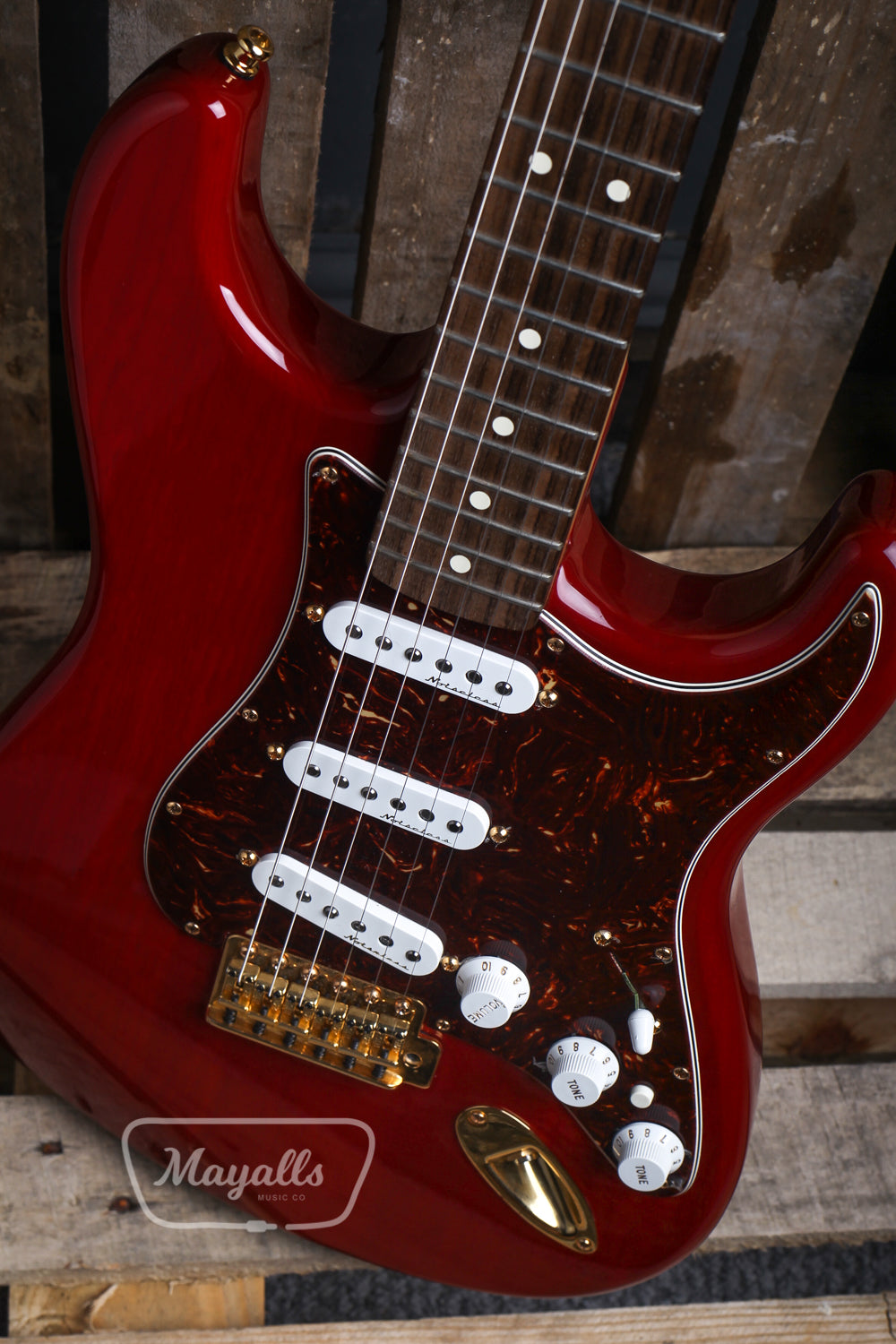 2006 Fender Mexican Deluxe Player Stratocaster in Crimson