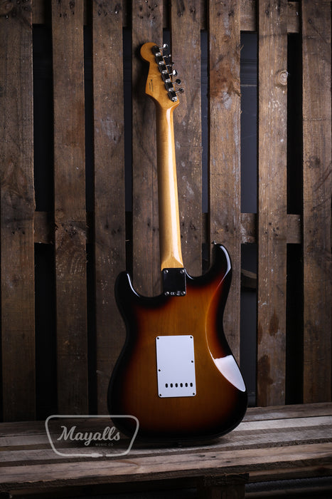 2013 Fender Classic Series '60s Stratocaster Sunburst Electric Guitar - Pre-owned