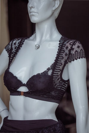 Haseya - Lingerie Accessory with Cap Sleeves